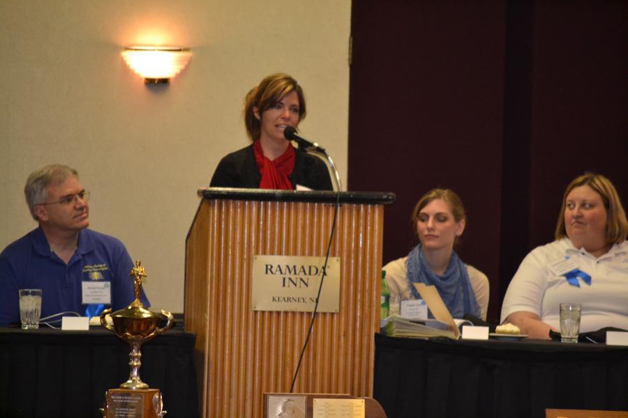 Tammy Jones accepted the award as the Nebraska Society of Radiologic Technologists 2013 Radiologic Technologist of the Year.