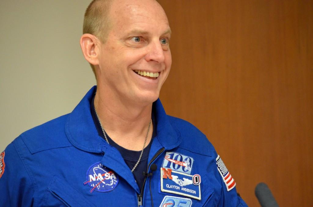 ortho grad astronaut 011